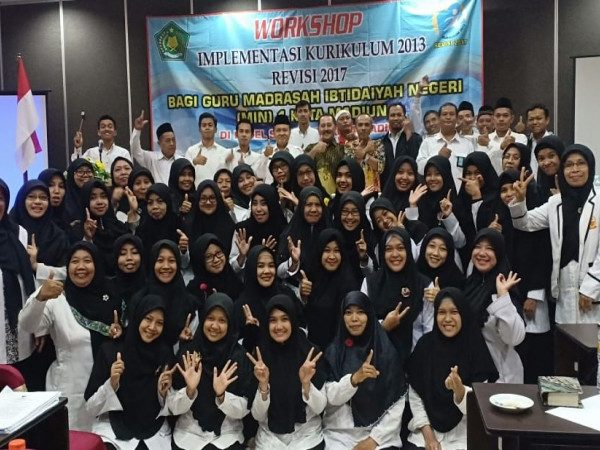 WORKSHOP IMPLEMENTASI KURIKULUM 2013 REVISI 2017 MIN 1 KOTA MADIUN