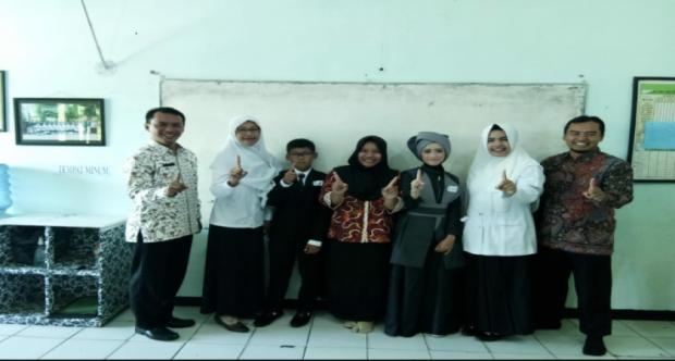 SISWA MIN 1 KOTA MADIUN RAIH JUARA 1 PIDATO BAHASA INGGRIS AJANG PORSENI KOTA MADIUN TAHUN 2019
