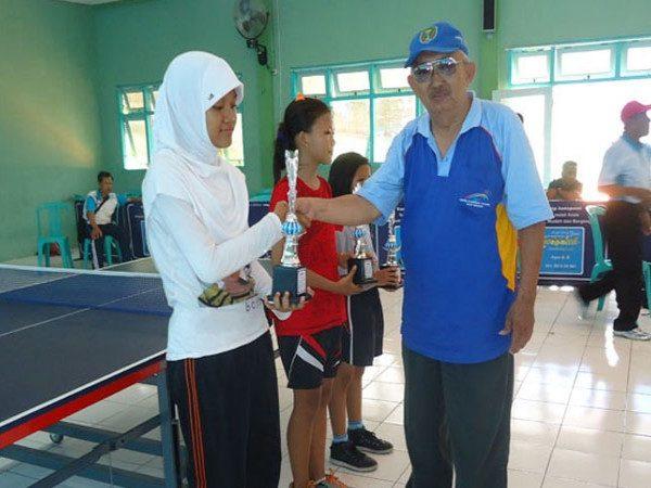 Juara I AKSIOMA Cabang Tenis Meja
