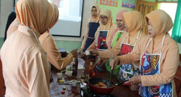 Cooking Day Bersama Dharma Wanita MIN Demangan