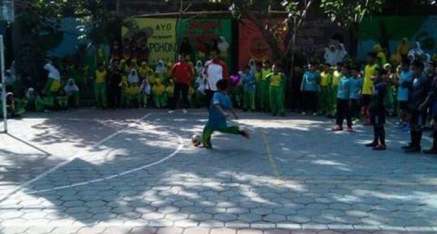 Kemeriahan Perlombaan HUT Ke-74 Republik Indonesia di MIN 1 Kota Madiun