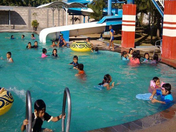 Berenang Bersama Suncity Water Park