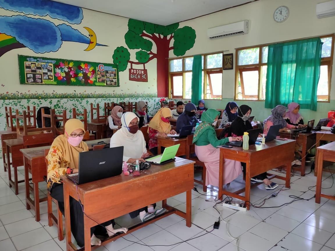 Tingkatkan mutu kualitas pembelajaran daring, Guru MIN 1 Kota Madiun Getol adakan KKG kelas tiap hari