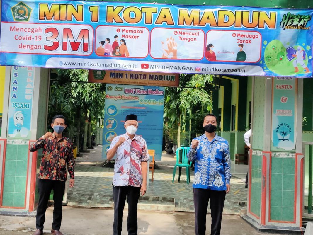MIN 1 Kota Madiun Adakan Gerakan Sosialisasi Penerapan Protokol Kesehatan (3M)