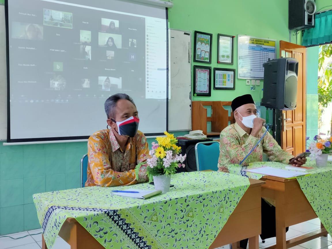 Pelaksanaan Rapat Dinas MIN 1 Kota Madiun Berjalan dengan Lancar